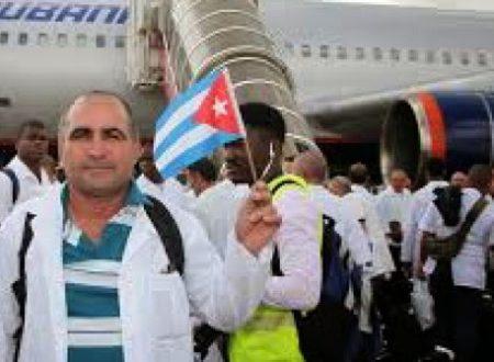 Altro che America o Italia, a sconfiggere Ebola è stata Cuba: i numeri dell'impegno cubano