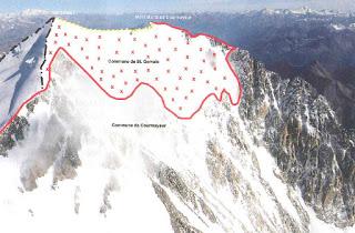 Renzi abbraccia Hollande, ma intanto ci ruba metri di confine scavando il Monte Bianco: il caso