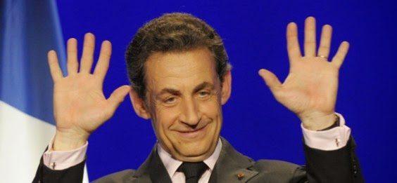 I francesi stanno quasi peggio di noi: tra la populista Le Pen e il fallimentare Hollande, resuscitano perfino Sarkozy