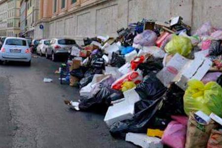 Livorno, il M5S eredita solita monnezza di centrosinistra