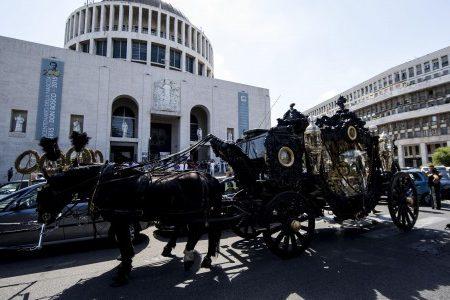 Dalle roulotte all'impero finanziario e immobiliare: chi sono i Casamonica