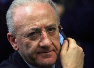 Regione Campania quasi in recessione: e De Luca blocca pure Navigator
