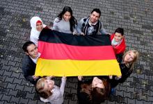 Cosa si nasconde dietro la benevolenza della Germania con i profughi: lavoro pagato 1 euro l'ora