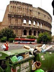 Pd a Roma per pulire le strade: ma rimedia a danno da esso stesso provocato