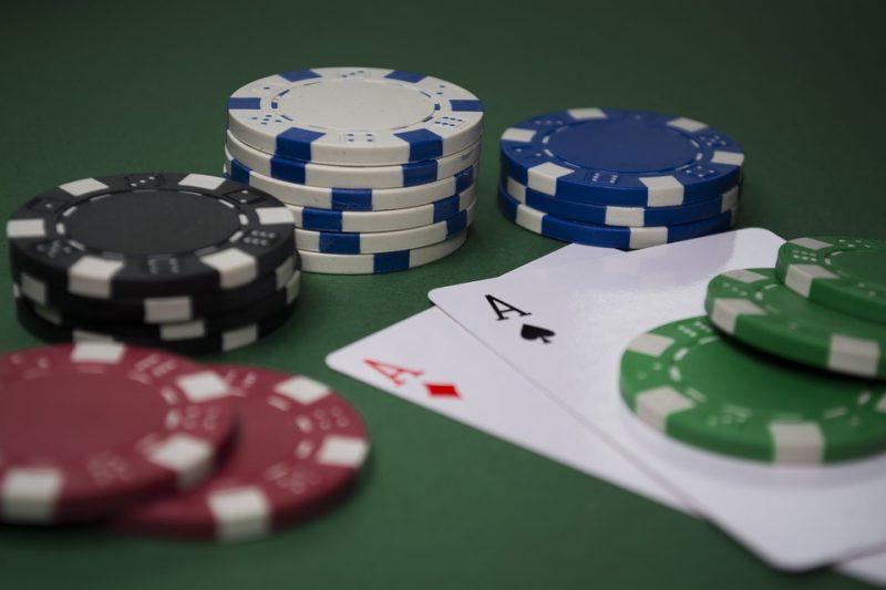 Altro che guerra, i Cinquestelle al Governo speculano sul gioco d'azzardo