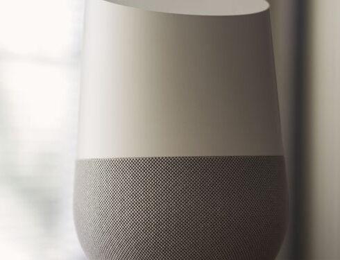 Google Home e Amazon Alexa sono spie della CIA? Due video inquietanti