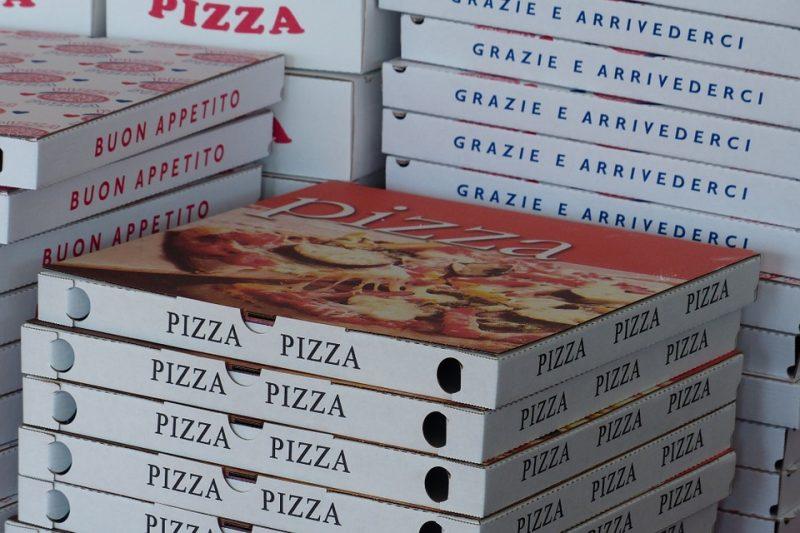 Cartoni per la pizza tossici per la salute: conferma da nuova indagine