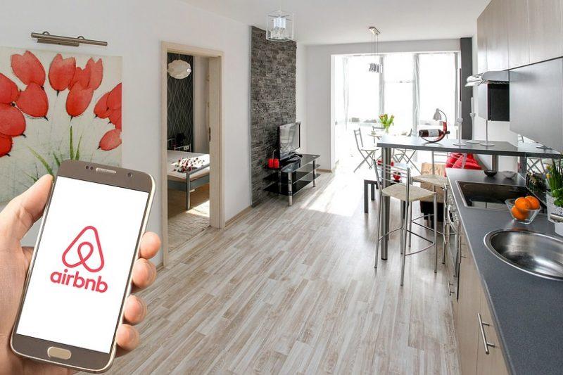Usi Airbnb? Occhio alla privacy: in un appartamento su 10 trovate videocamere spia