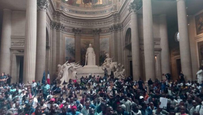Francia premia Carola: ma decisione è ridicola per 4 motivi