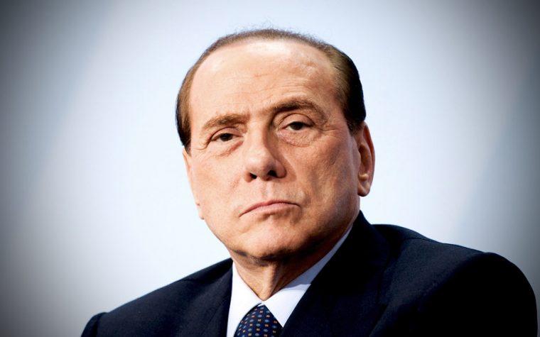 Berlusconi non lascia ma raddoppia: ecco Altra Italia, ennesimo progetto di un dittatore senza eredi