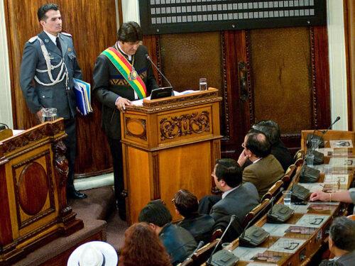 Bolivia, Evo Morales costretto alla fuga dal Capitalismo affamato di Litio