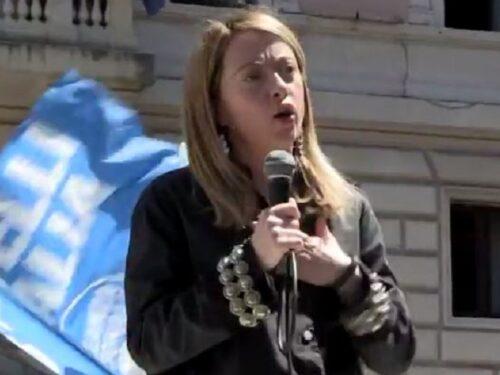 Giorgia Meloni, leader donna di un partito maschilista in un Paese maschilista