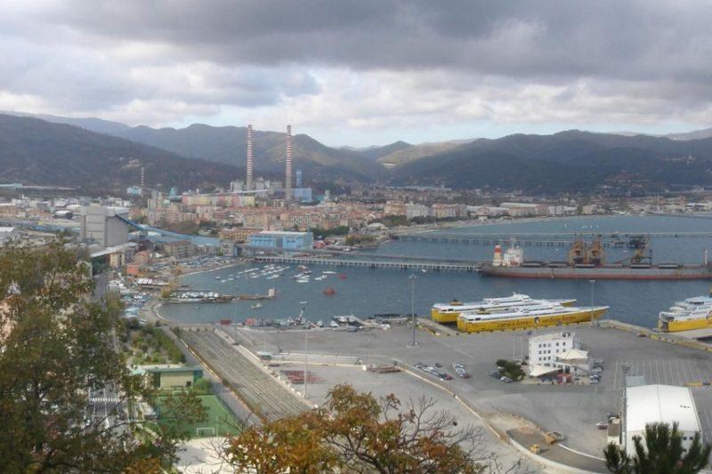 Cina alla conquista dei porti europei: ci sono anche 2 italiani