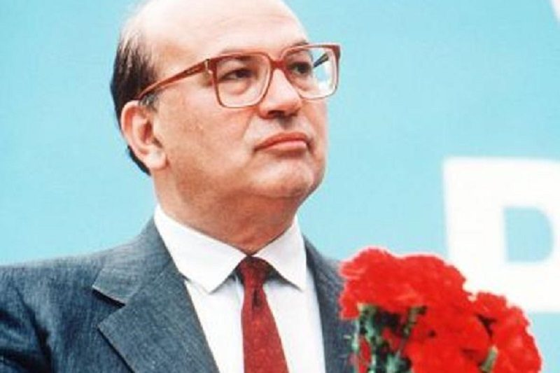 Bettino Craxi moriva 20 anni fa: pregi e difetti di uno Statista che ancora divide