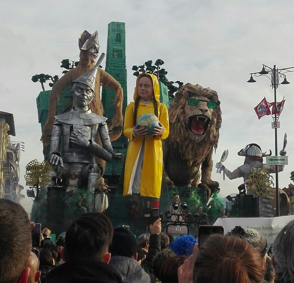 carro vincitore carnevale viareggio