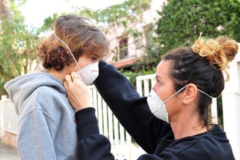 Coronavirus, come fare mascherina in casa e se serve davvero