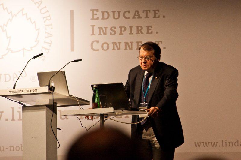 Coronavirus, Premio Nobel francese conferma creazione in laboratorio: il video