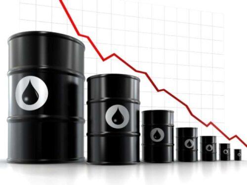 Prezzo Petrolio crolla: perché quello della benzina invece scende lentamente
