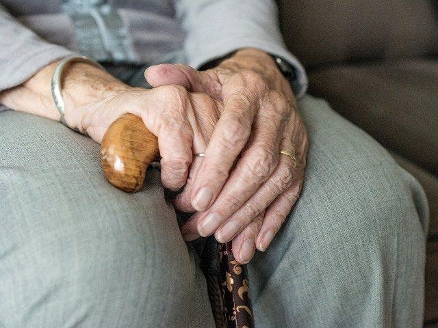 Coronavirus, la strage di anziani nelle RSA: i numeri e le responsabilità