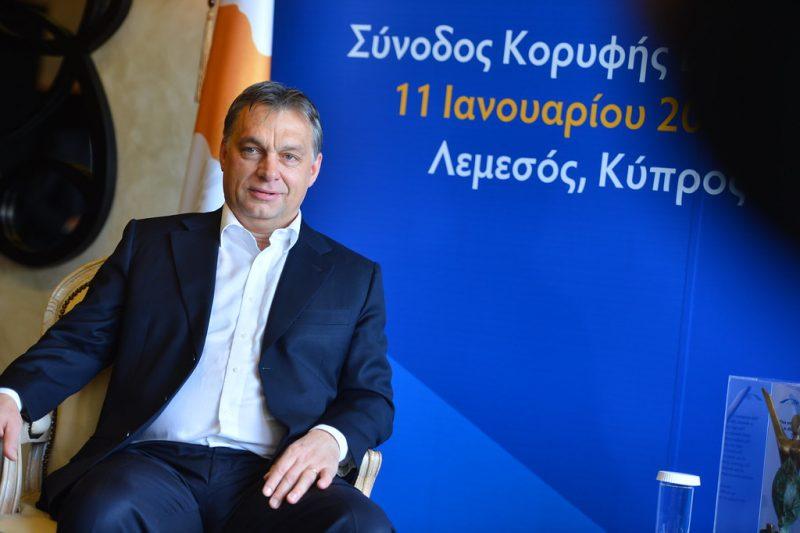 Coronavirus, critiche ad Orban per accentramento poteri: ma qui abbiamo la Protezione civile