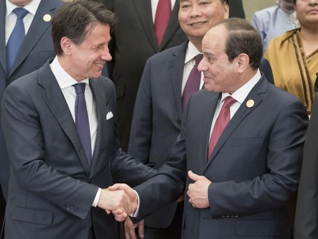 Italia vende altre due navi militari a Egitto: tradita la famiglia Regeni ma non solo