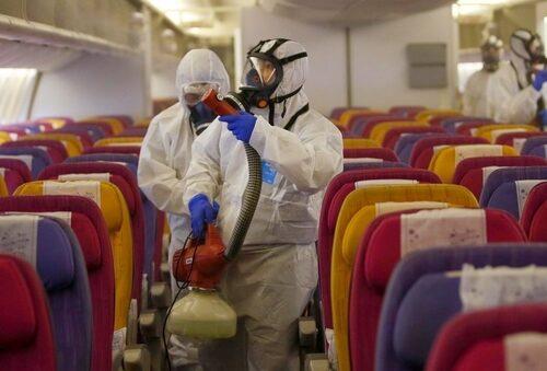 Coronavirus, viaggiare in aereo: regole quali sono e quanto è pericoloso