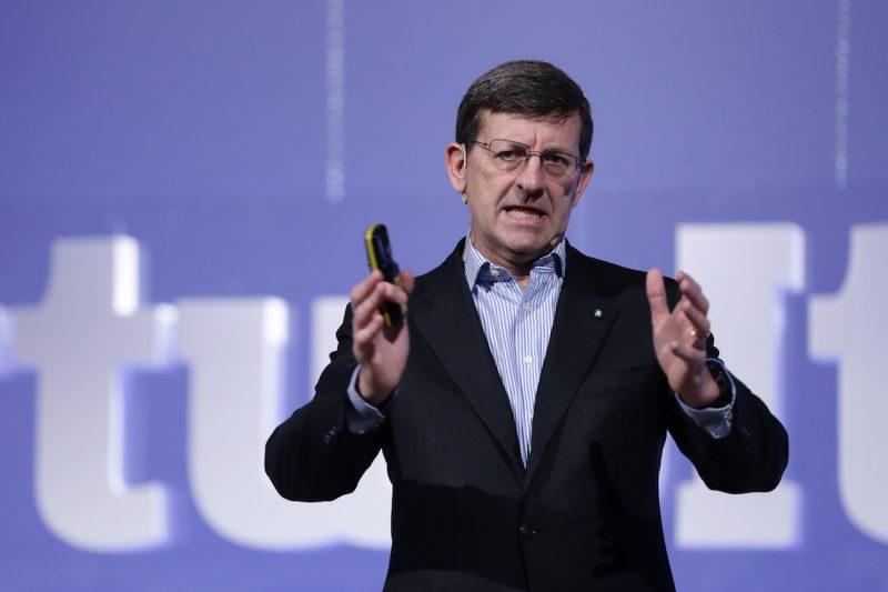 Piano Colao favorirebbe mafie, multinazionali e 5G: i motivi
