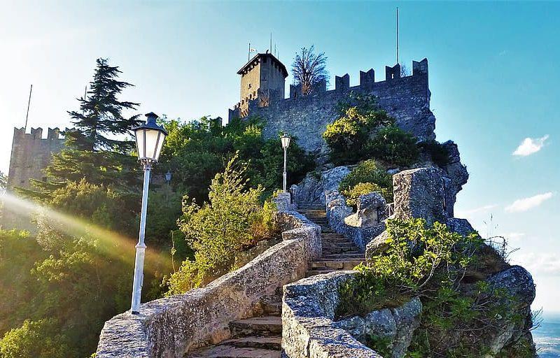 San Marino, la Repubblica rischia il fallimento: le colpe di un ex Paradiso economico
