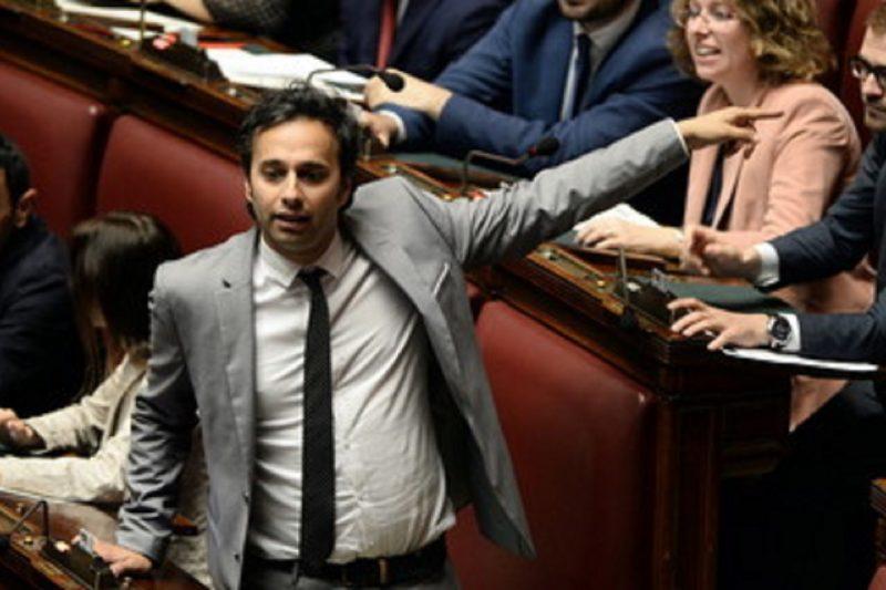 Ex commesso con la Terza media vigilerà sui fondi del Recovery Fund: chi è l'amico di Di Maio
