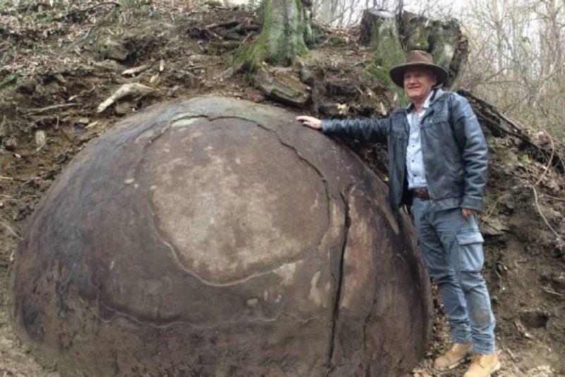 Sfera gigante ritrovata in Bosnia: le 2 possibili spiegazioni