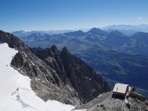 Francia ci ruba il Monte Bianco: dopo il mare ecco l'ultimo smacco