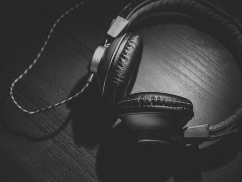 Ascoltare radio su smartphone sarà vietato dal 2021 per legge: come rimediare