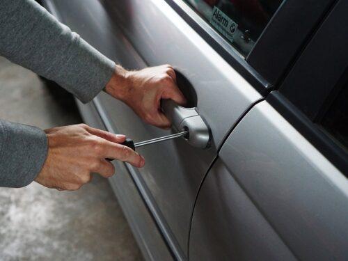 Assicurazione auto furto e incendio: occhio a cosa copre davvero