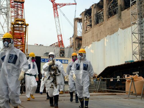 Follia Giappone: butterà in mare acqua contaminata di Fukushima