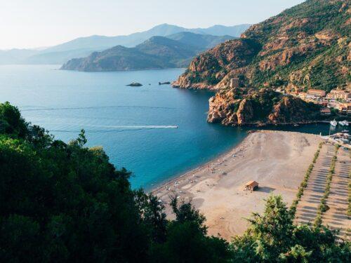 Rai sponsorizza Corsica: ecco perché è uno scandalo