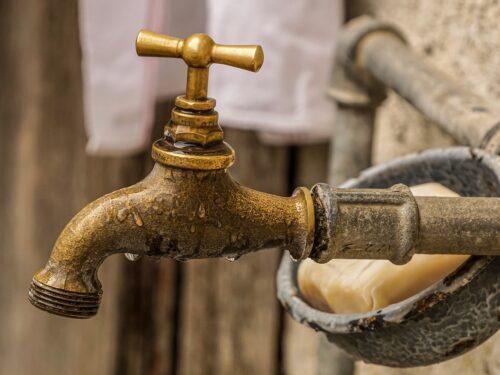 Casoria senza acqua da domenica: una città che vive nel disagio continuo