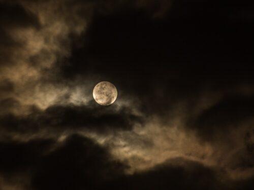NASA rimanda ritorno sulla Luna: conferma che non ci siamo mai andati