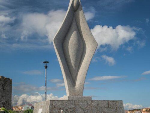Statua della Madonna somiglia a vagina: il caso Social